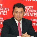 Mircea Dolha renunta la afisele electorale ca sa ajute elevi din familii sarmane din Baia Mare