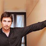 Christian Bale, arestat dupa ce si-a agresat mama si sora