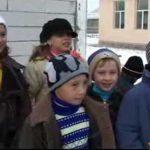 FRIG – ELEVI – Scoala inghetata si elevi tinuti in vacanta prelungita la Basesti (VIDEO)