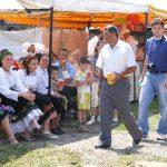 ZILELE COMUNEI DUMBRAVITA – Porumbul fiert si berea, mai importante ca politicienii la serbarile Dumbravitei (GALERIE FOTO si VIDEO)