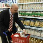 CAMPANIE UMANITARA – Baimarenii pot dona alimente pentru nevoiasi direct din cosul de cumparaturi (VIDEO)