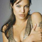 BIOGRAFIE – Angelina Jolie a avut o aventura cu starul rock Mick Jagger