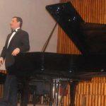 CONCERT SIMFONIC – Pianistul Horia Mihail a castigat pariul cu sine prin concertul integral Liszt sustinut la Liceul de Arta (VIDEO)