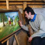 PREOT PICTOR – Parintele Ioan Vraja vrea sa picteze singur biserica ce va fi ridicata in Giulesti (VIDEO)