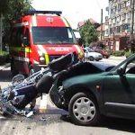 ACTUALIZARE – ACCIDENT – Motociclist lovit de o masina pe strada Victoriei din Baia Mare (VIDEO)