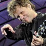 STAR OPERAT – Jon Bon Jovi va suferi o operatie la genunchi inaintea concertului din Bucuresti