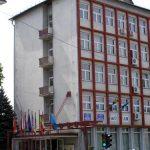 PROGRAM – PRIMARIE – S-au taiat pauzele de pranz, iar angajatii vin si pleaca mai tarziu la serviciu, in Primaria Baia Mare