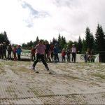 INEDIT – Concurs de schi pe iarba pentru juniori, pe partiile din Cavnic – Vezi FOTO si VIDEO