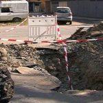 GROPILE LUI DOREL – Muncitorii de la gaz si apa au distrus o intreaga strada din Baia Mare, reabilitata acum 4 ani (VIDEO)