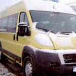 COMASARE – Scolile cu elevi putini sunt inlocuite cu microbuze, in Maramures