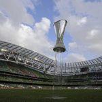 FOTBAL – Trofeul Europa League este adus la Bucuresti de Sapunaru
