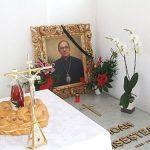 COMEMORARE – Slujba de pomenire a fostului episcop Ioan Sisestean, inainte de Pastile catolic
