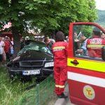 ACTUALIZARE – ACCIDENT – Un sofer s-a incolacit cu masina sefului in jurul unui copac din zona Meda Baia Mare (VIDEO si GALERIE FOTO)