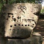 INEDIT – CENTENAR – Povestea pietroiului gaurit din parcul municipal care poarta urme vechi de 100 de ani