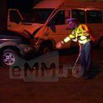 ACTUALIZARE – ACCIDENT – Un microbuz plin cu muncitoare si o masina de teren s-au ciocnit pe strada Margeanului din Baia Mare (GALERIE VIDEO)