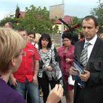 """RECLAMATII – FAVORITISME – Zeci de parinti s-au scandalizat in fata Scolii Generale """"Lucian Blaga"""" din Baia Mare (VIDEO)"""