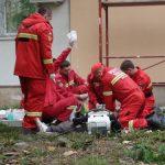 ACTUALIZARE – ACCIDENT MORTAL – Un barbat a cazut de pe un bloc de pe strada Gheorghe Bilascu din Baia Mare (GALERIE VIDEO si FOTO)