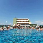 PROMO – LIVE DE LA PISCINA – In 2 mai se da startul distractiei de vara, la piscina Romanita din Recea