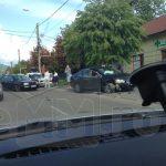 IMPACT – Doua masini s-au ciocnit pe strada Vasile Lucaciu