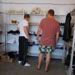 MAGAZIN DE CRIZA – Finantele din Baia Mare vand la promotie produse confiscate pe teritoriul judetului (VIDEO)