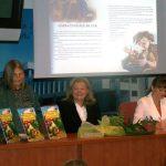 CARTE PENTRU COPII – Delia Radu si-a lansat prima carte de povesti, editata in varianta bilingva, romana si engleza (VIDEO)