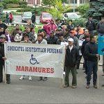 PROTEST – Asistentii persoanelor cu handicap din Maramures si Satu Mare si-au cerut drepturile banesti in fata Ministerului Muncii (VIDEO)