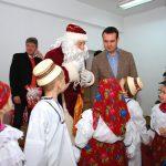 "URARI DE CRACIUN – Catalin Chereches, primarul municipiului Baia Mare: ""Sa fim si de Craciun si intotdeauna o mare si frumoasa familie"""