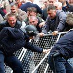 VIOLENTE LA KIEV – Bilantul oficial a ajuns la cel putin 28 de morti
