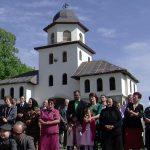 SARBATOARE – Cea de-a treia zi de Pasti a adunat numerosi credinciosi la hramul Manastirii Habra, din apropiere de Baia Mare (VIDEO)