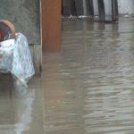 AJUTOR – Guvernul intervine in sprijinul romanilor blocati la Albena din cauza inundatiilor