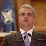 UN NOU DOSAR – Adrian Nastase e urmarit penal pentru nerespectarea regimului armelor si munitiilor