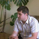 TURISM – Viceprimarul din Cavnic a gandit un program traznit pentru turisti; culesul fructelor de padure si munca in folosul comunitatii printre activitati (VIDEO)