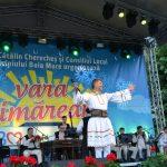 REGAL FOLCLORIC – Interpreti de folclor din diferite zone ale tarii i-au incantat pe spectatori in cea de-a doua zi a Verii Baimarene (VIDEO)