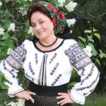"TRADITII – Interpreta de muzica populara, Laura Lavric se declara indragostita de Maramures, considerand judetul ca fiind ""o emblema a Romaniei""  (VIDEO)"
