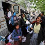 TABERE ILEGALE – Circa 800 de romi, majoritatea romani, evacuati din doua tabere, in Franta