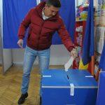 ALEGERI PREZIDENTIALE-  Arbitrul FIFA Cristian Balaj, presedintele Asociatiei Judetene de Fotbal Maramures, a votat pentru un presedinte tanar (VIDEO)