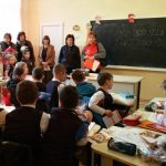 """PROGRAM EDUCATIV – """"Lectie de siguranta"""" si cadouri la Scoala Gimnaziala din Cernesti"""