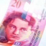 IN SCADERE DRAMATICA – Leul a pierdut aproape 16% fata de franc intr-o singura zi la cursul BNR; minim istoric