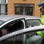 PREVENTIE – Politistii rutieri reamintesc conducatorilor auto importanta respectarii regulilor de circulatie pe drumurile publice