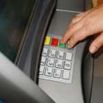 PROGRAM – Bancile nu vor lucra pe 1 Mai cu publicul, cu exceptia unor agentii situate in centre comerciale