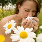 RISC – Chimicalele din alimentatie si cosmetice ne fac vulnerabili la alergii, avertizeaza medicii (VIDEO)