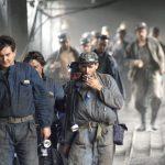 REVENDICARI – Minerii de la Livezeni s-au blocat in subteran. Cei de la Lupeni si Lonea protesteaza in curtea CEH