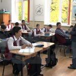 """PROIECT – Copiii din programul """"Scoala dupa scoala"""" ar putea primi tichete in valoare de 200 lei"""
