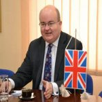 Ambasadorul britanic si zapada