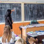 Sindicatele din educație amenință cu proteste