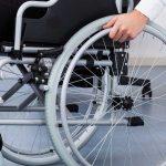 Taxe duble pentru firmele care nu încadrează persoane cu dizabilităţi
