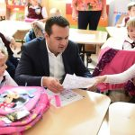 """A demarat acţiunea """"Primul meu ghiozdan"""" în municipiul Baia Mare ! Acţiunea a ajuns la  a III a ediţie"""