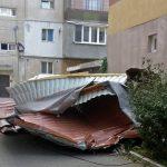 Autorităţile judeţene fac lista cu locuinţele din Maramureş afectate de furtună pentru a putea solicită despăgubiri