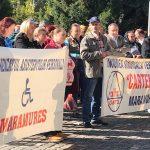 Actualizare: Cu jalba la prefect / Sindicaliştii Cartel Alfa şi-au înaintat revendicările conducerii judeţului / Protest în faţa prefecturii