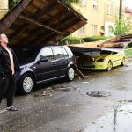 Program prelungit la ghiseul pentru depunerea dosarelor de despăgubire a cetăţenilor cu bunuri afectate de furtună